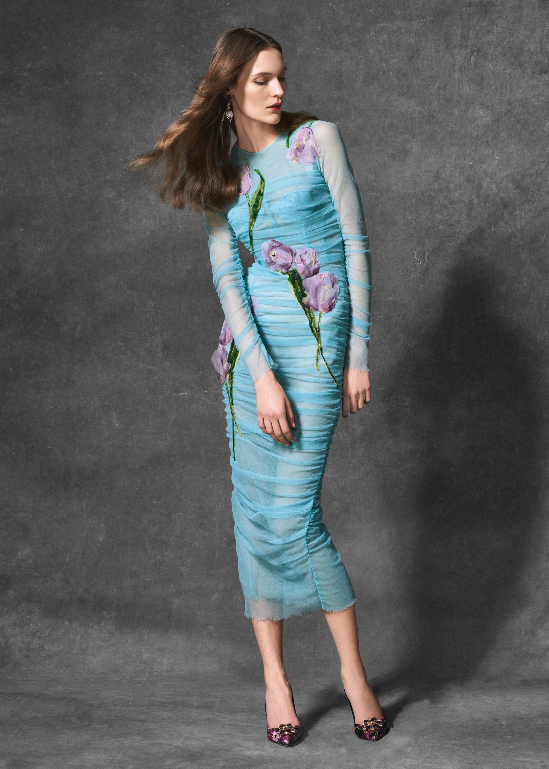 """97fa1546151 Платья тюльпаном фото. Коллекции Dolce Gabbana """"Tulip"""" и вечерних ..."""