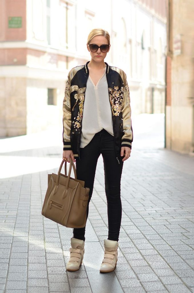 2-bomber-jacket-with-gold-embroidery-in-casual-chic-outfit