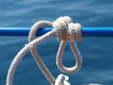 Самый крепкий узел: как его завязывают?