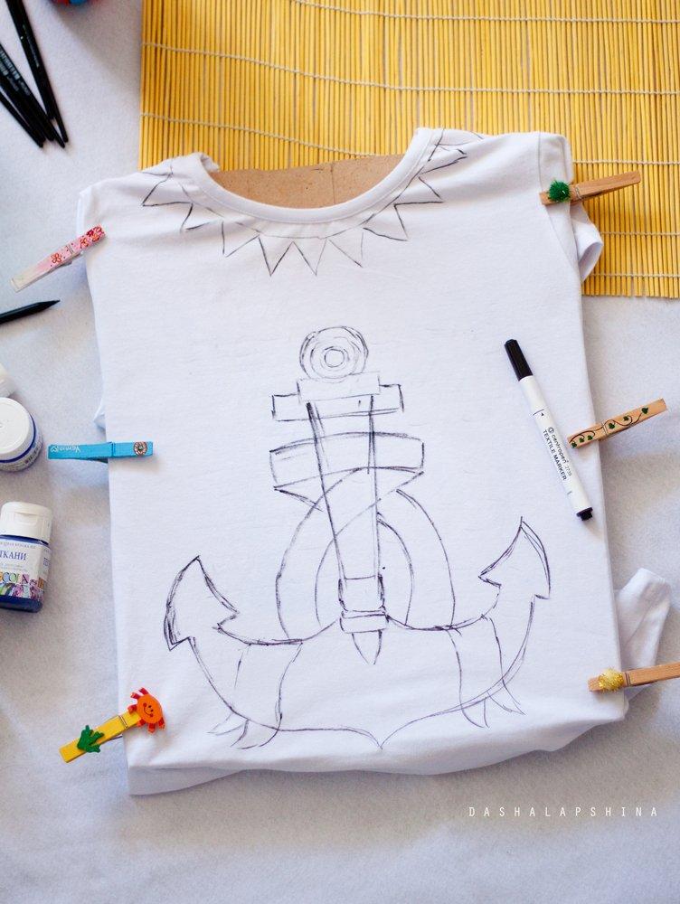 Рисунок индейца на детских белых футболках однотонную трикотажную вещь, не важно, светлую или темную, можно украсить рисунком текстильными красками.