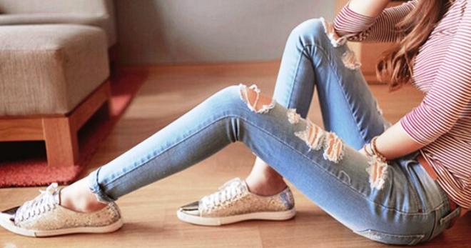 34b49690004 Рваные модные джинсы. С чем носить женские рваные джинсы — фото ...