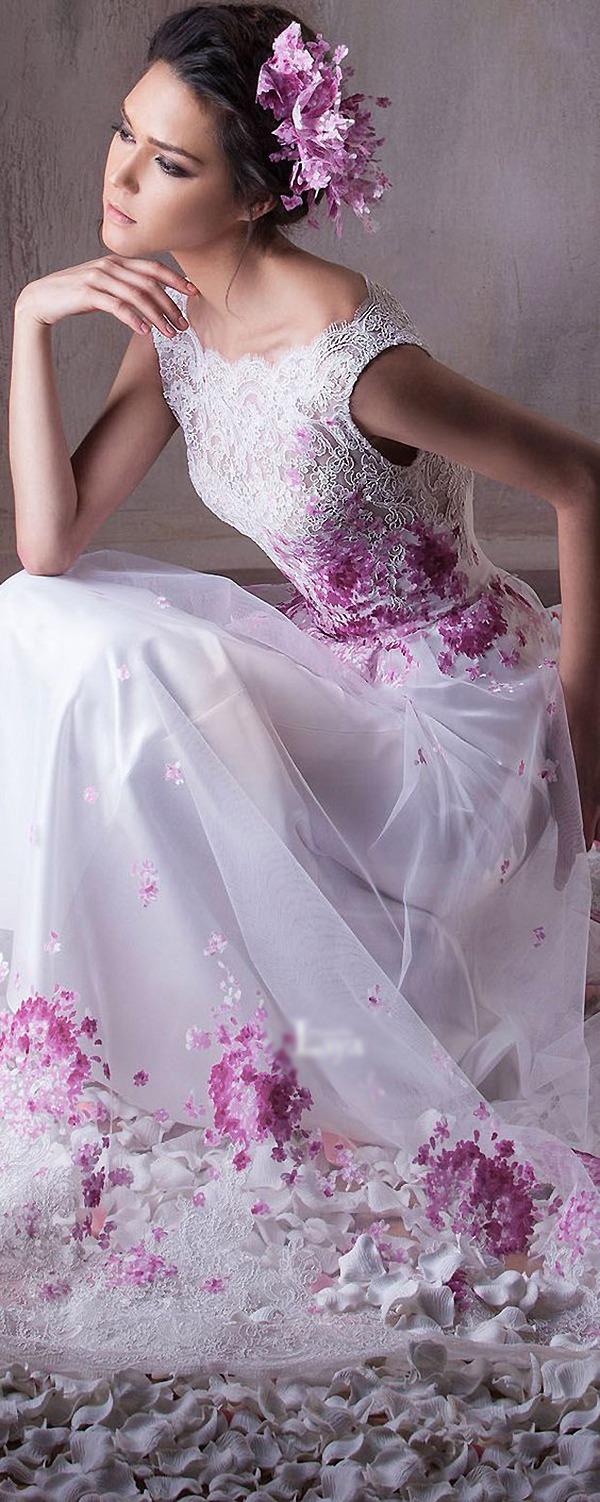 e83c74751e014d6 Цветок на платье. Цветочные принты на летних и вечерних платьях: просто,  женственно, эффектно