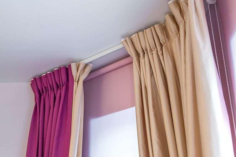 podveshivaem-zanaveski-na-shtornoj-lente Как подшить тюль в домашних условиях. Как правильно подшить тюль с помощью ленты своими руками