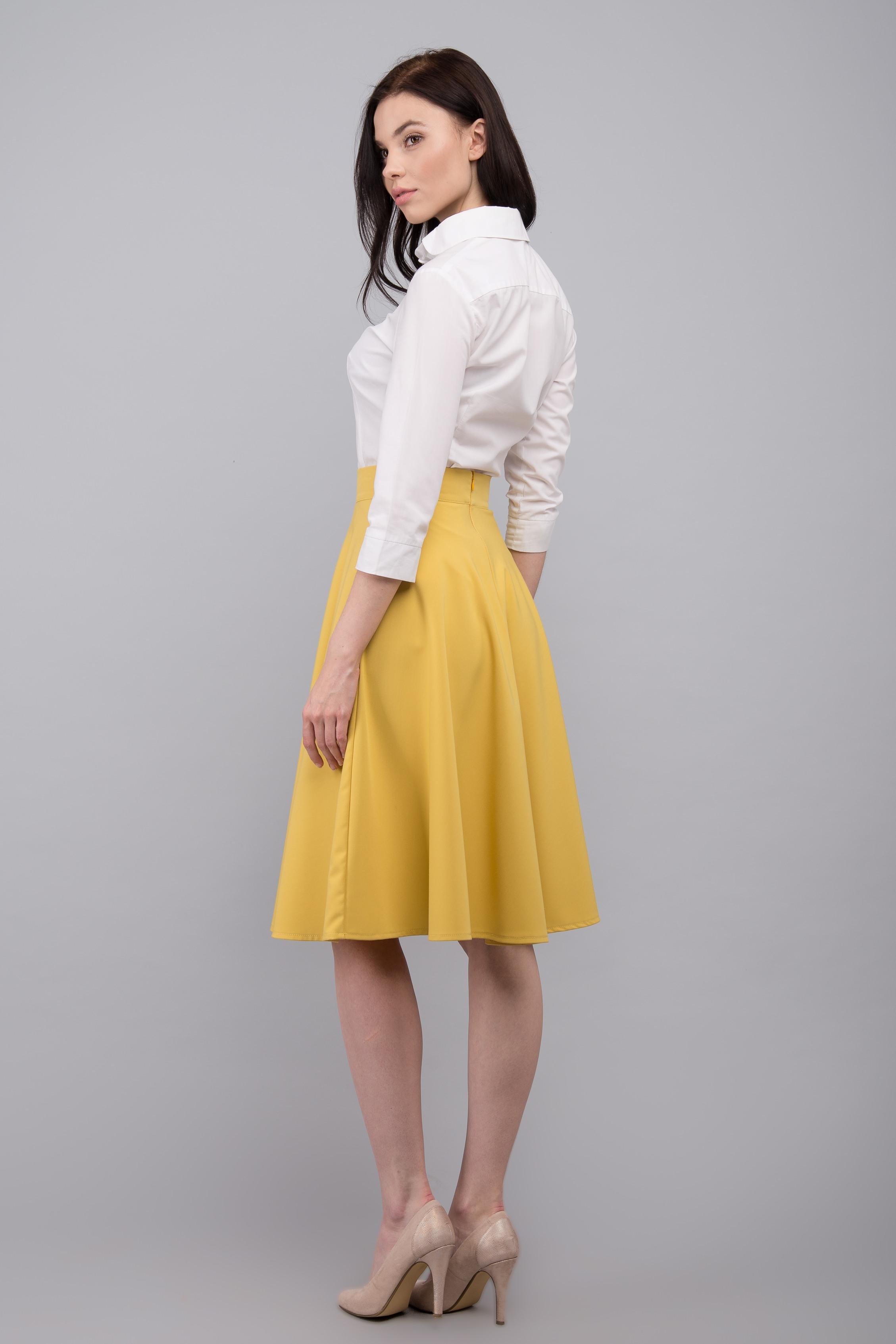 Юбка без шва подразумевает наличие запаха. Соблюдение правильного  направления нитей основы на деталях юбки обеспечивает идеальность ее формы. f8adcb7c8e9